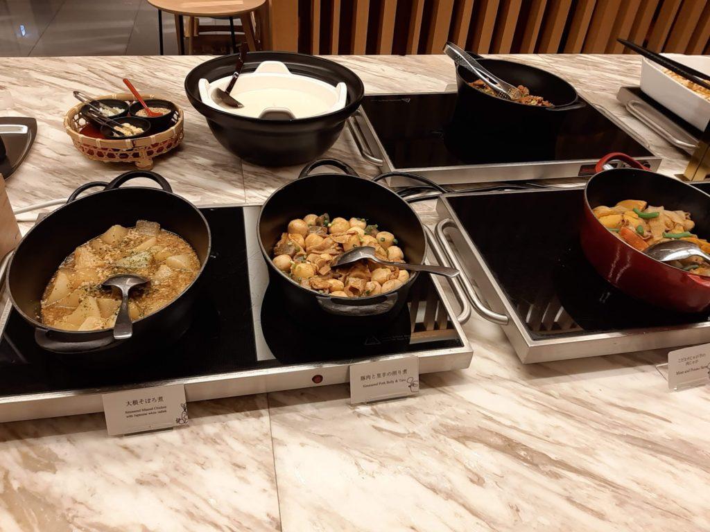 朝食ブッフェの和食1