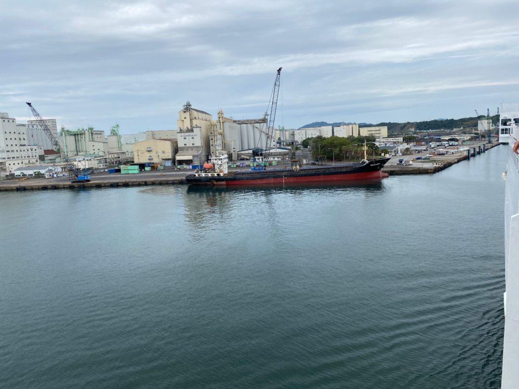 船上から見た志布志港