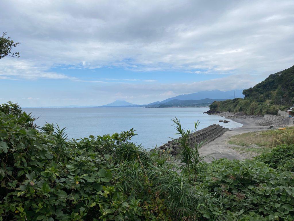 269号線浜田町あたりから見た桜島