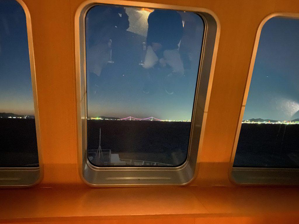 展望ルームから見た明石海峡大橋