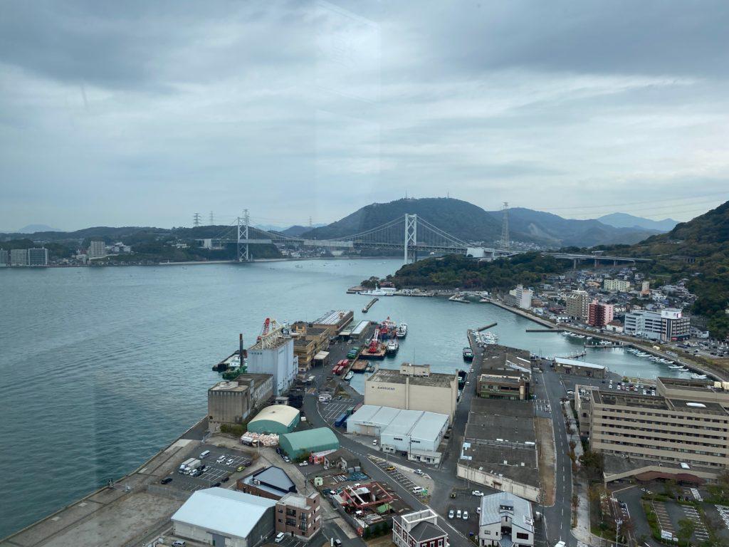 展望室から見た関門海峡