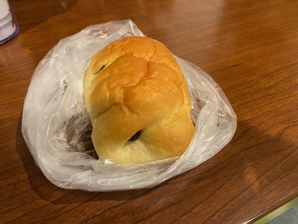 シロヤベーカリーのパン