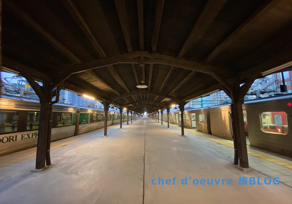 早朝の門司港駅